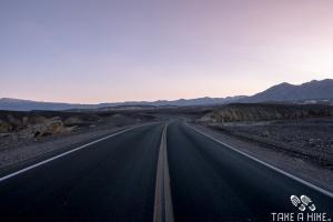 Death Valley I-190 Richtung Furnace Creek