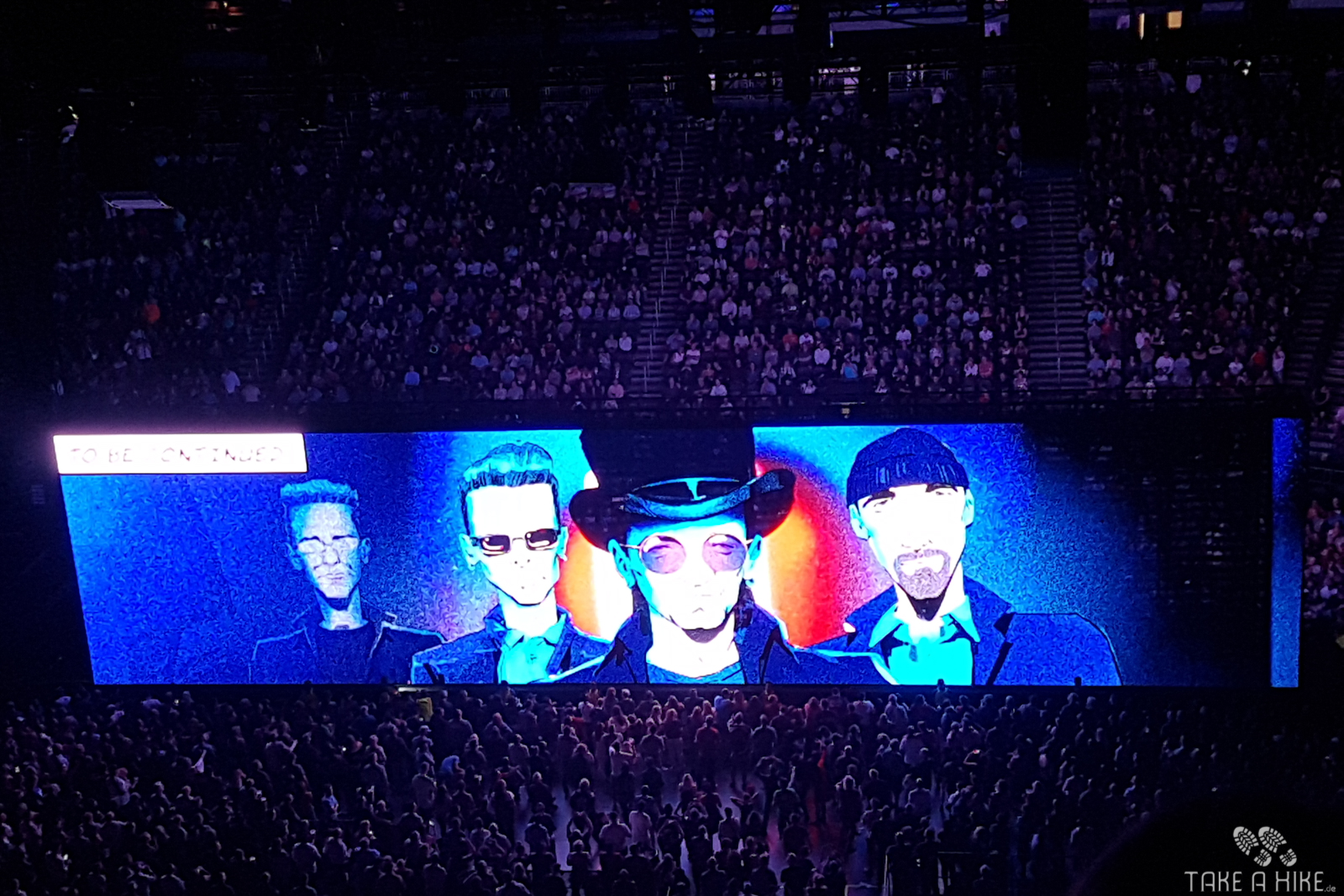 "U2 - Leinwand bei ""Hold Me, Thrill Me, Kiss Me, Kill Me"""